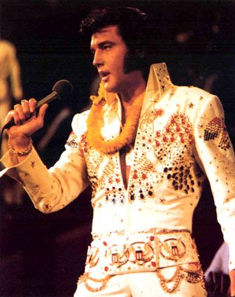 1973 first ever satellite broadcast of a concert world-wide!  My favourite picture of Elvis!