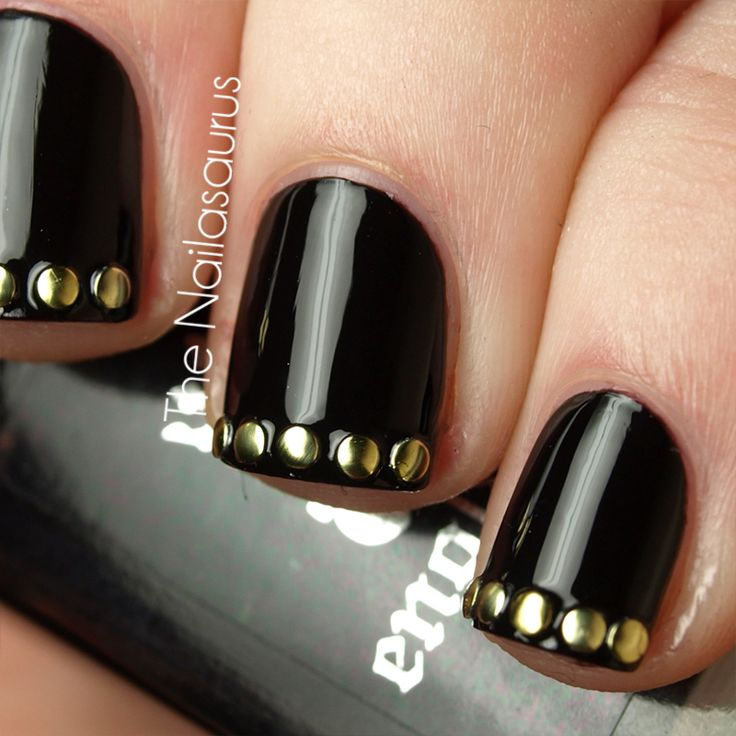 studs on the tipsNails Style, Blackgold, Nails Art, Gold Nails, Nailart, Nails Design, Black Nails, Nails Polish, Black Gold