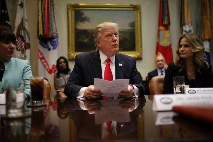 Trump pushes U.S. labor board toward Republican control