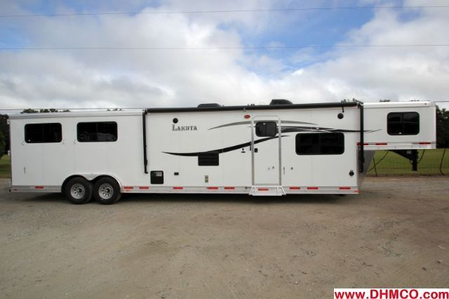 NEW Lakota Horse Trailer with Living Quarters for Sale - Horse Trailers Galore