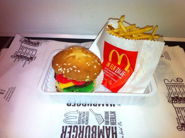 Traktatie hamburger cupcake mcdonalds