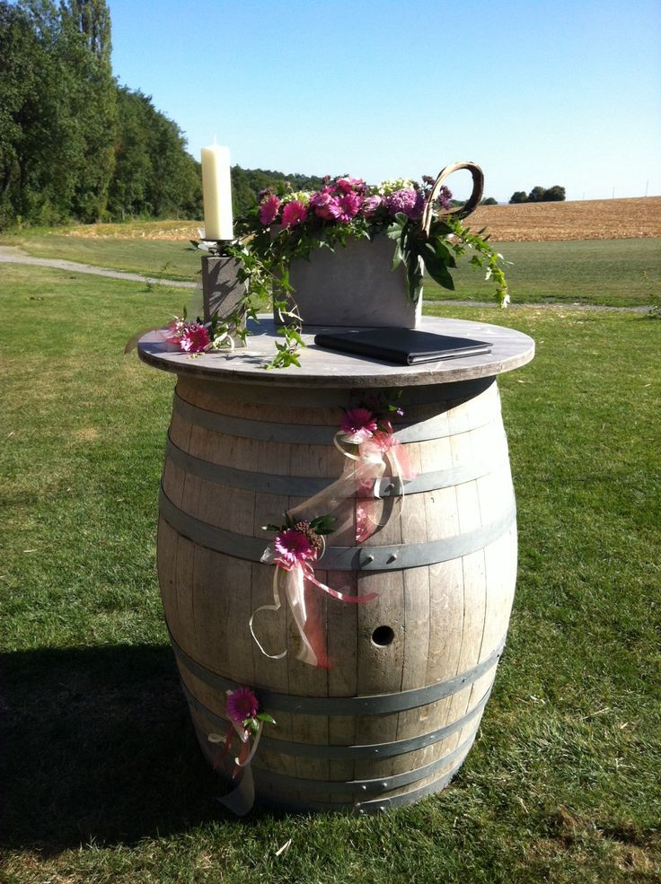 Die besten 25 weinfass hochzeit ideen auf pinterest weinfass deko weinfass garten und - Weinfass dekorieren ...