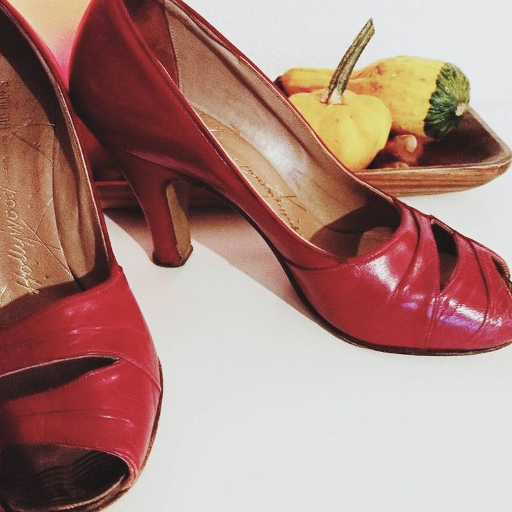 """""""Picked up these lovley (and very small) early 1950s shoes today, they will be up for sale soon! ✨ 🍁"""""""