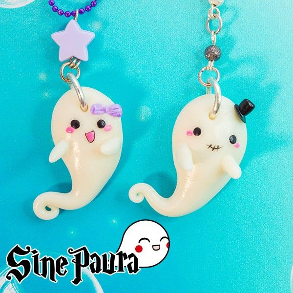 Who said ghosts are scary? The Sine Paura ghosts are among the most tender and kawaii creatures in the world… and they glow in the dark! They're entirely handmade using a special technique that makes them glow in the dark. Find it on www.Delicute.com