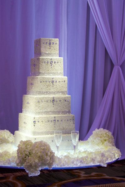 Floating cakes, such as this one at The Ritz-Carlton, Tysons Corner, are a new wedding trend.