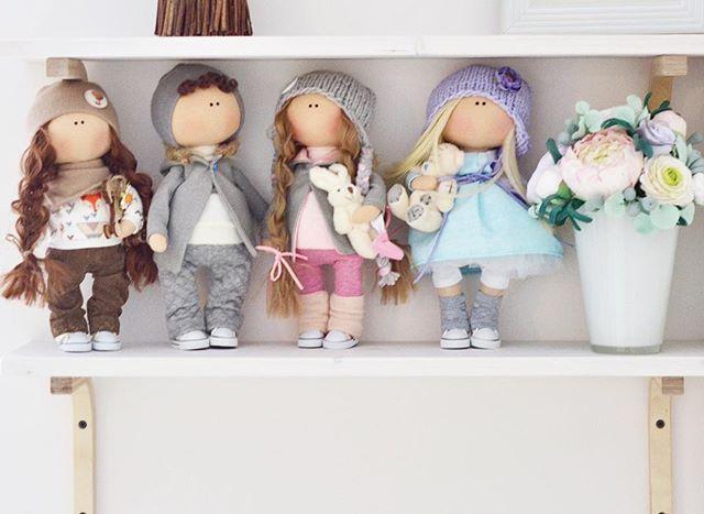 Только тссс... Девочки, что вы дарите на Новый годсвоим мужчинам? Давайте поделимся идеями, вдруг кому-то пригодится • • • • • #кукла #интерьернаякукла #тильда #подарок #интерьернаяигрушка #игрушка #мягкаяигрушка #чтоподарить#коллекционнаякукла #подарокнановыйгод #текстильнаякукла #ручнаяработа #продается #handmade #вязание #платье #туфли #новыйгод #пуф #хобби #рукоделие #продается #новыйгод #тильда #длядевочек #косметика #творчество