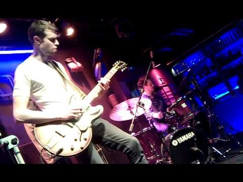"MIKKEL PLOUG TRIO / Bogui Jazz (Madrid), 18 de mayo 2012, ""Drop"""