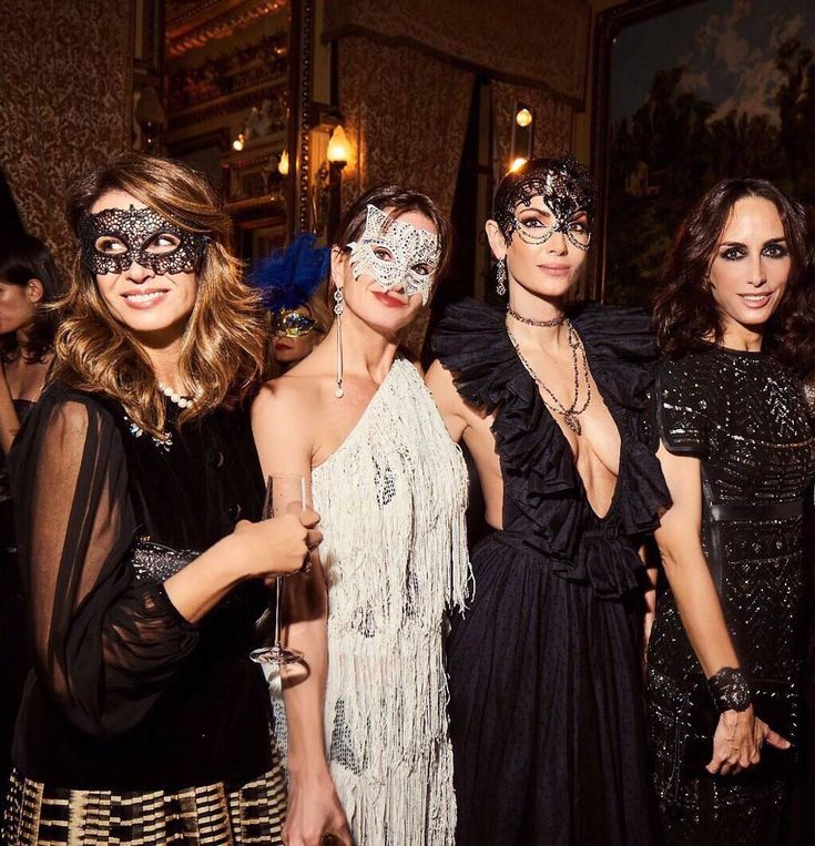 thanks my friend and the team! Masquerade Party Themes, Masquerade Ball Costume, Masquerade Bachelorette Party, Masquerade Dresses, Masquerade Masks, Mascarade Outfit, Soirée Halloween, Outfits Fiesta, Mardi Gras Party