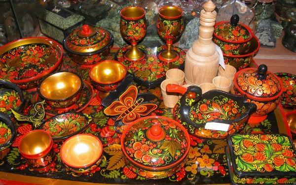 Столовые приборы и посуда традиционной русской кухни