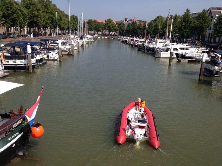 Waterrecreatie in de Nieuwe Haven (Foto: Jarko De Witte van Leeuwen). Weten hoe wij omgaan met ons water? Volg ons op Facebook: onswaterindordrecht