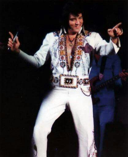 Elvis Was In A Good Mood This Concert Beautiful Performance Of And I Love You So Spectaculair Version It S Now Or Never