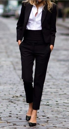 Office outfit | Women suit with high waisted trousers