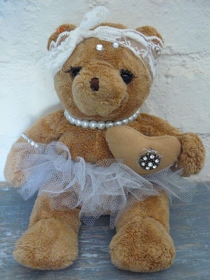 Glam bear!