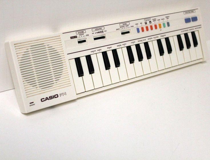 Vintage Casio PT1 Mini Keyboard Synthesizer por That70sShoppe, que recuerdos!