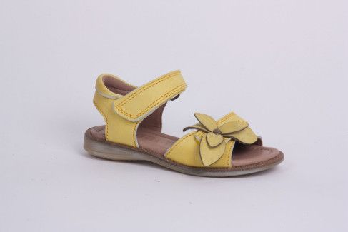 What are the best summer sandals for girls?