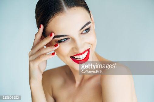 Stock Photo : Young beautiful woman