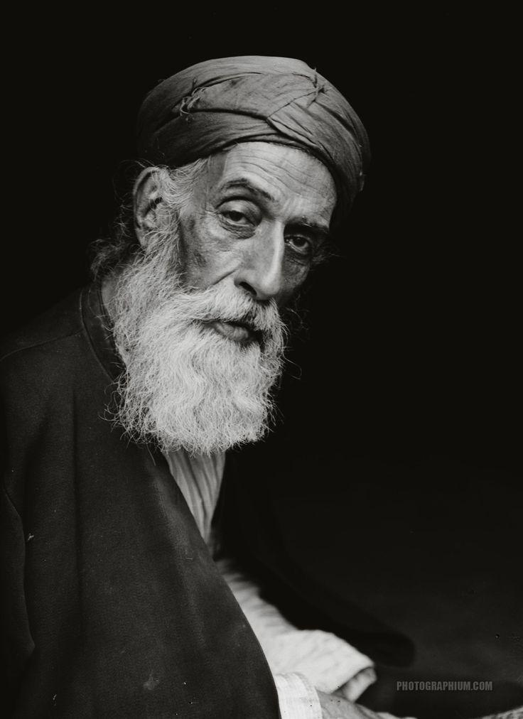Old Samaritan high priest. Nablus, Palestine. 1900-1920.