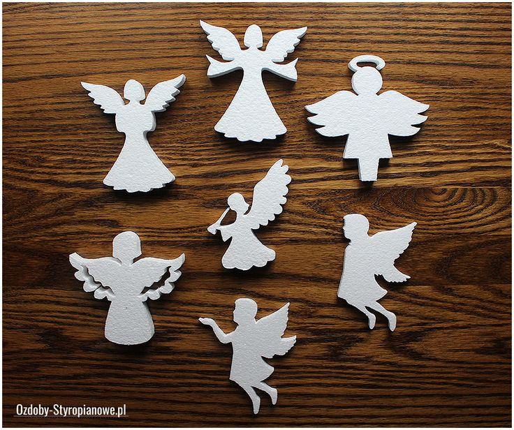 Aniołki styropianowe idealnie sprawdzają się przy aranżacjach świątecznych oraz komunijnych. W zimie aniołki możemy umieścić na ścianach, oknach lub choince. Podczas komunii świętej ozdoby te warto wzbogacić o imiona dzieci przystępujących do sakramentu.