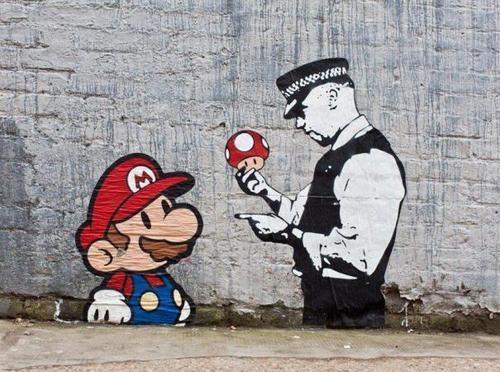 ¡Te atrape Mario! Street art en Londres por Trust. iCON.