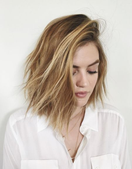 Lucy Hale blonde with bob hair cut with layers and messy strands and straight ends. #lucyhale
