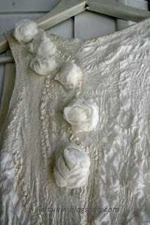 Felted, seamless white dress, detail