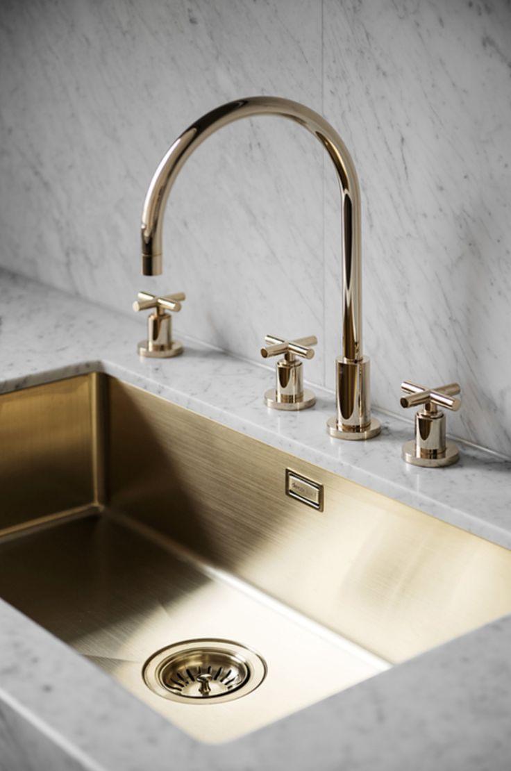 Perfectly minimal kitchen design - via Coco Lapine Design blog