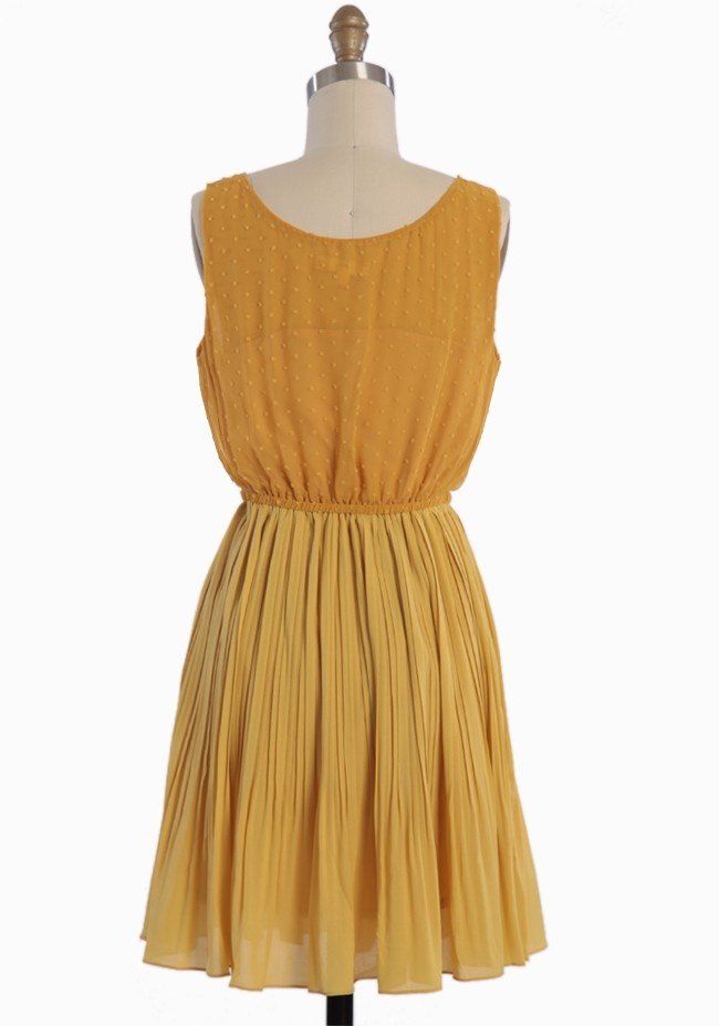 Parkway Pleated Dress | Modern Vintage New Arrivals: Nice Yellowdress, Yellowdress Www 2Dayslook Com, Modern Vintage Dress, Yellow Dress