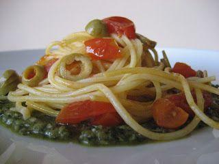 Pasticciando in cucina: Spaghetti estivi con pesto alle mandorle