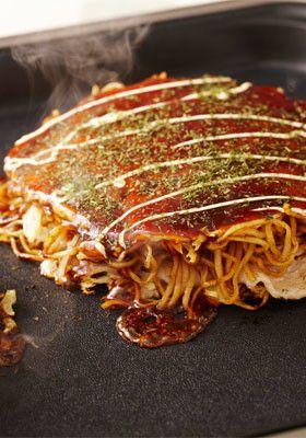 野菜たっぷりの広島風お好み焼き