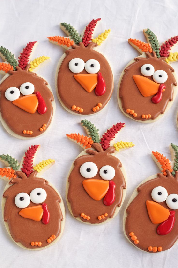 Easy turkey cookies are sugar cookies made with a pineapple cookie cutter and decorated with royal icing. Follow this simple tutorial and make some today.