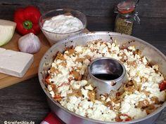 So einen Gyrosauflauf hast du noch nie gegessen! Mit Weißkohl und Paprikaschoten und einer Haube aus Schafskäse ein geschmacklicher Traum. Probier es!