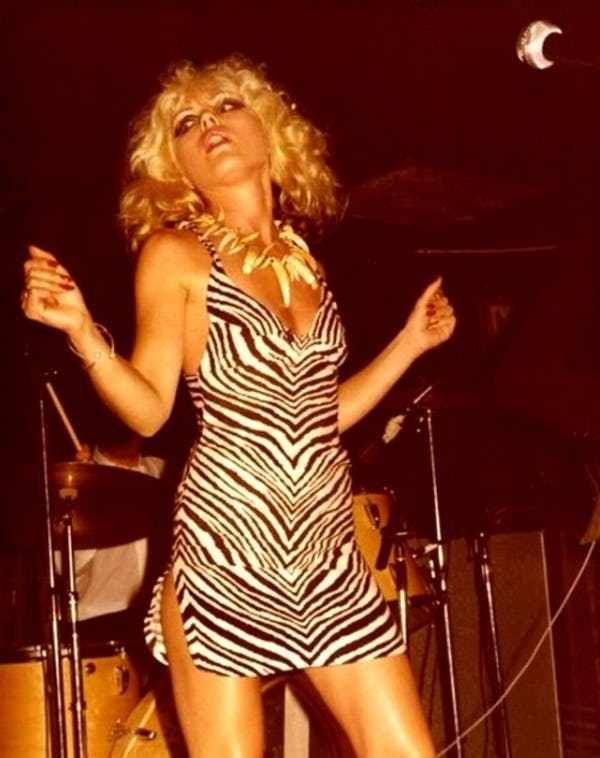 ZEBRA Music Tee   Debbie Harry Blondie Washed Black