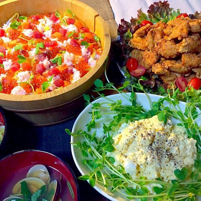今年は3月2日にひなまつりのご飯をいただきました✨ ✨咲きちゃんの うちのザンギ ✨チョスさんのはんぺんと卵のサラダ ✨ちらし寿司 ✨はまぐりのお吸い物 でした 美味しかったです✨ ご馳走様でした〜 - 175件のもぐもぐ - ひなまつりの晩ご飯✨ by reirei7