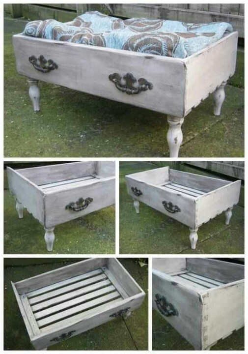 Going to make one of these today (or at least something similar) A pet bed. .. how clever!!
