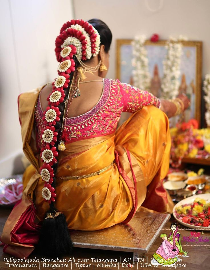 Order Fresh flower poolajada, bridal accessories from our local branches present over SouthIndia, Mumbai, Delhi, Singapore and USA.
