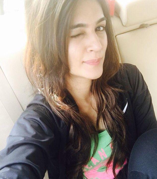 Cute selfie clicked by Kriti Sanon