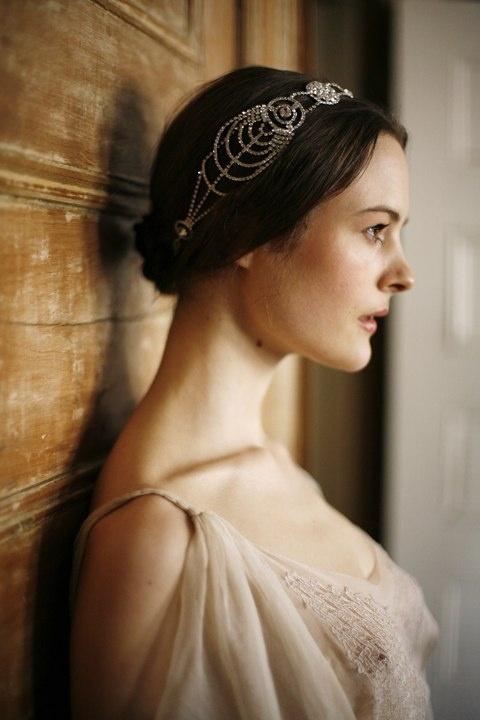 Cosmos Bandeaux by Jennifer Behr bridal :: Vintage Dress :: Photography by Belathée :: wedding :: headwrap :: bride :: crystal