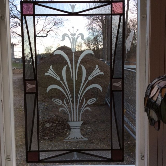 Stained glass with sandblasted glass. www.tuirehamalainen.com