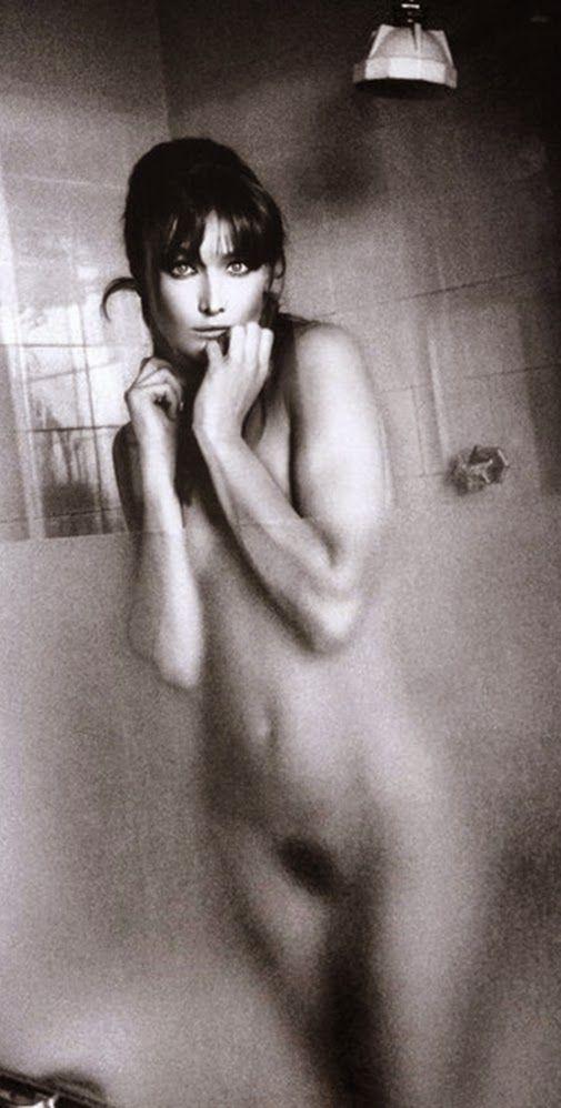 Carla Bruni Nude Pic 52
