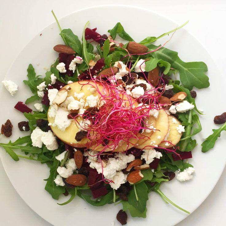 Salade van rode biet, geitenkaas en appel met kiemen | I Love Health | Bloglovin'