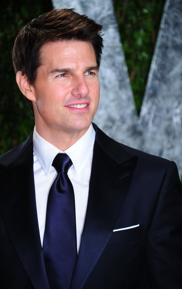 Tom Cruise with suit.