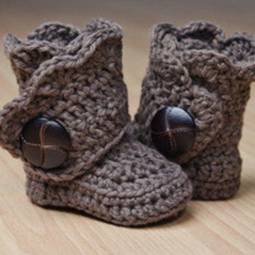 crochet booties by DaisyCombridge