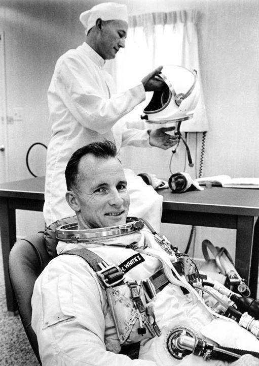 astronaut ed white apollo mission - photo #18