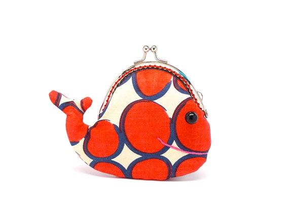 Whale coin purse! So cute. #PinPantone