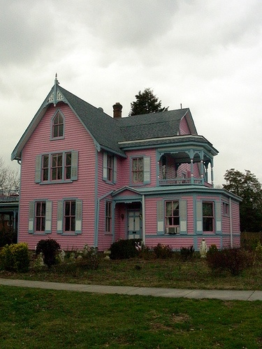 About HOUSES THAT ARE CUTE On Pinterest Putz Houses French Country