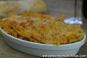 Cómo preparar macarrones gratinados al horno, con una buena capa de queso que está de muerte. Receta fácil paso a paso.