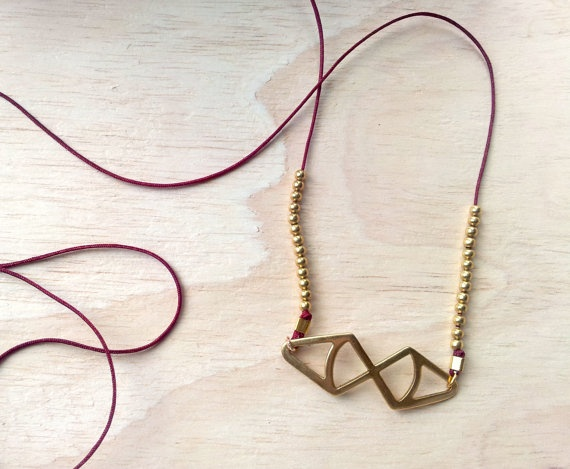 collier AKUNOBA par LaetiGrena sur Etsy, €18.00