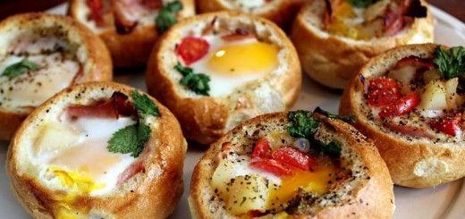 Рецепт булочек с яйцом и ветчиной