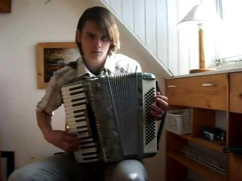 Yann Tiersen - La Noyee - YouTube