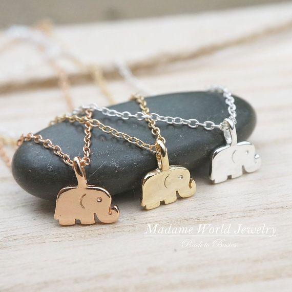 Zierliche kleine Baby Elefant Halskette von MadameWorldJewelry